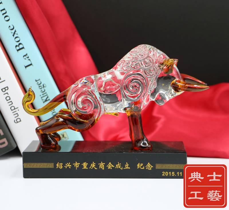 宁波市分公司开业纪念礼品制作,分部成立周年纪念品,实用水晶笔筒摆件,商会成立十周年留念礼品定制
