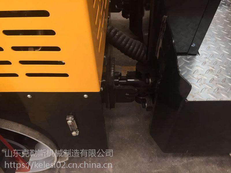 鞍山地区压路用 克勒斯3.5吨小型压路机 就像奥特曼踩过一样