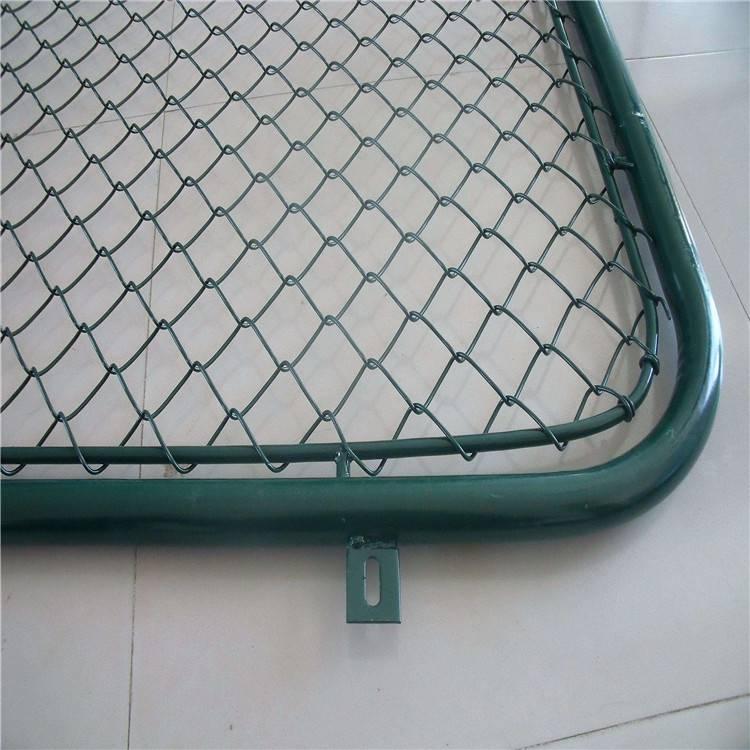 体育场护栏网 操场隔离栅 勾花钢丝网