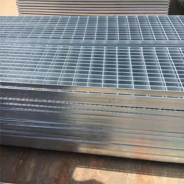 楼梯踏步板防滑条 围栏钢格栅 钢格栅加工订做