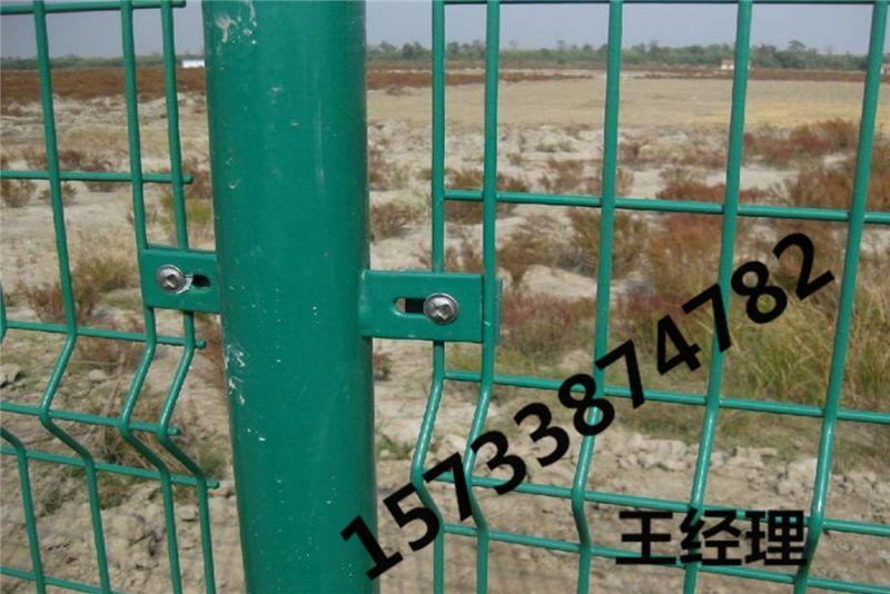 井冈山 浸塑 勾花网护栏 桥梁护栏网 公园围栏 价格