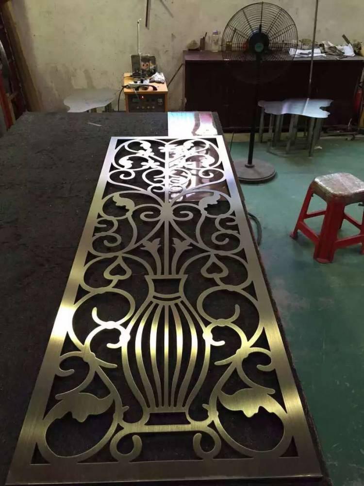 供应欧式铝艺屏风隔断玫瑰金12厘铝制插屏订做