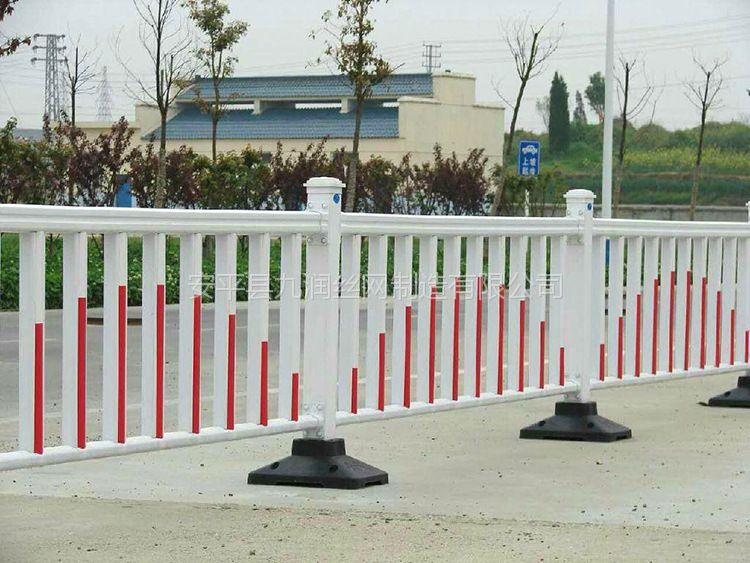 厂家供应市政护栏城市道路护栏喷塑白蓝护栏
