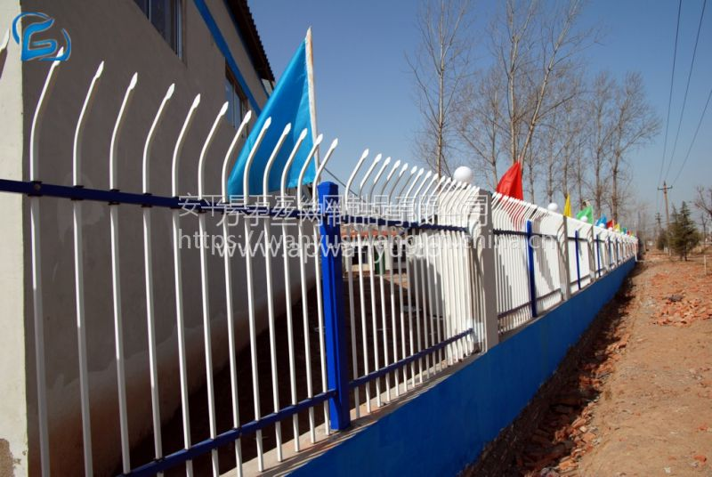 万宇网业现货供应 锌钢护栏 小区别墅围栏 喷塑铁艺护栏网