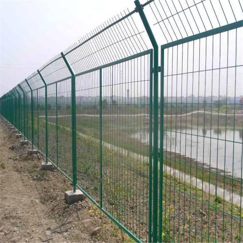 围栏批发 防护围栏 钢丝护栏网