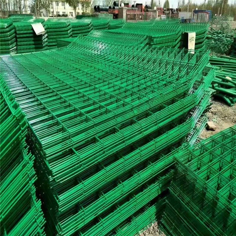 工厂隔离栅 园林防护网 围墙刺网