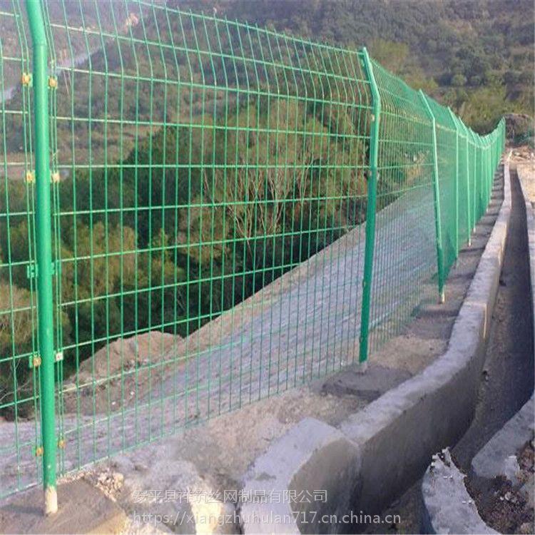 河南浸塑双边丝护栏封山圈地铁网围栏育林种树围栏
