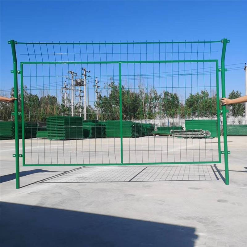 围墙防护网 铁丝围墙网厂家 景区护栏网加工