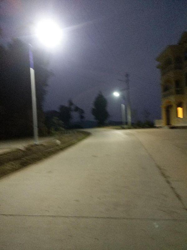 四川南部县神坝太阳能路灯安装