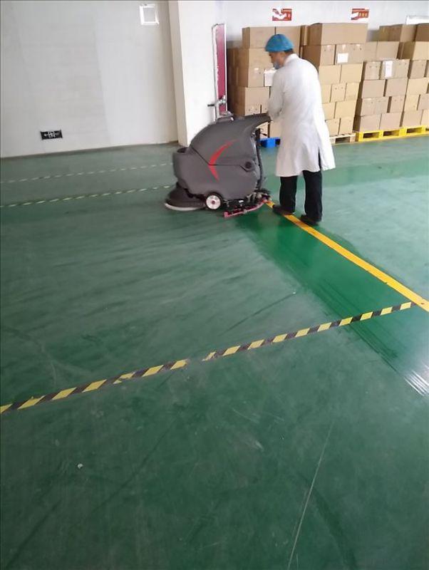 郑州新乡开封商丘商场超市医院地面保洁用高美手推式洗地机