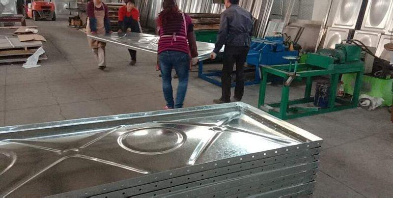 抗浮式箱泵一体化大模块板