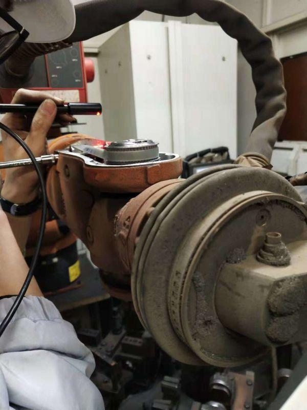 KUKA机器人KR-16-L6-2-KS齿轮箱润滑保养