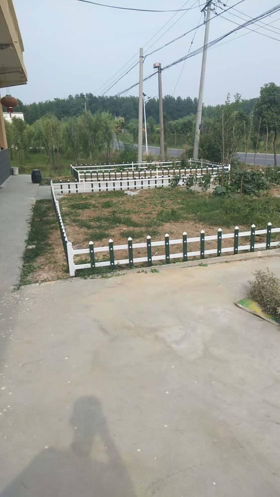 安徽pvc草坪围栏,市政绿化工程围栏厂家