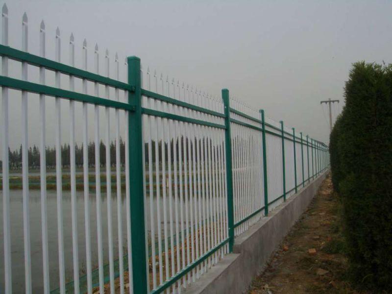 祥筑锌钢护栏生产中视频  市政护栏小区厂区网围栏