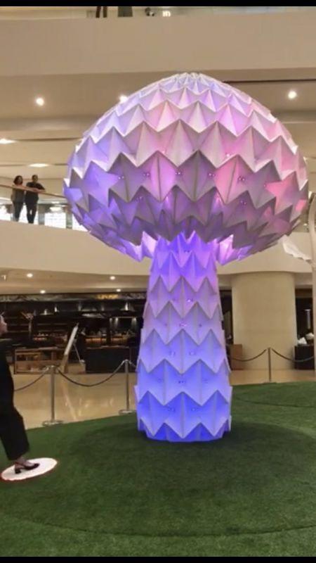 网红七彩发光互动蘑菇树