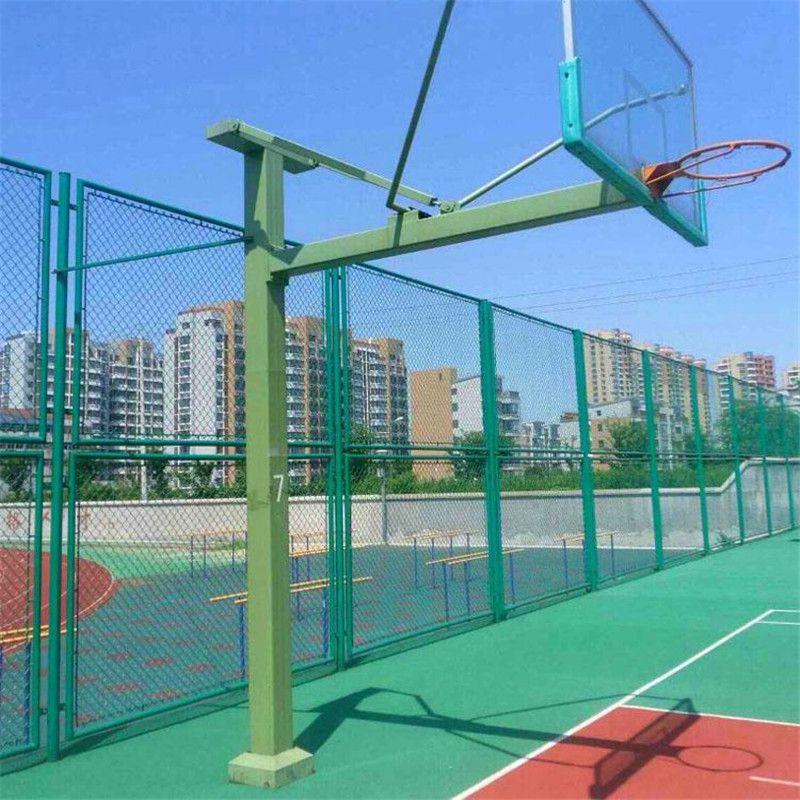 勾花网护栏 学校操场围网 球场围栏网安装