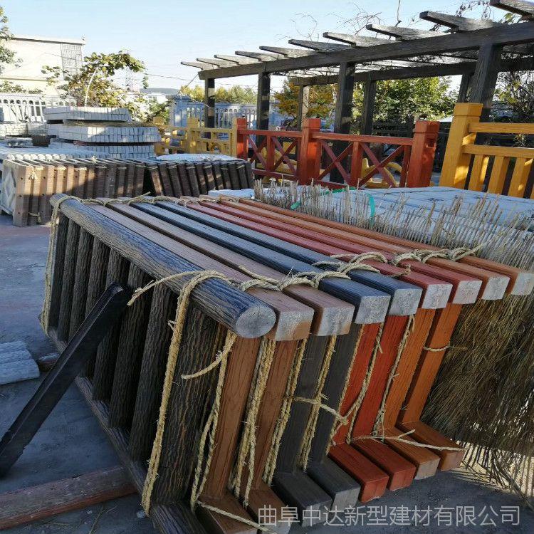 合肥市政水泥仿木河道护栏 现货批发混凝土仿木桩