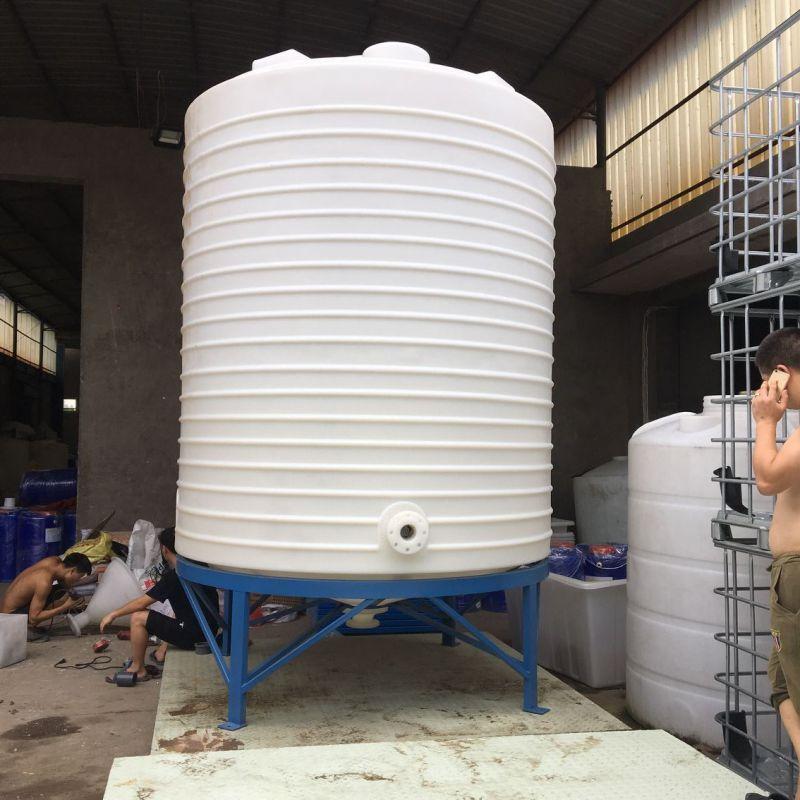 10吨锥底储罐和1吨吨桶装车的完美搭配