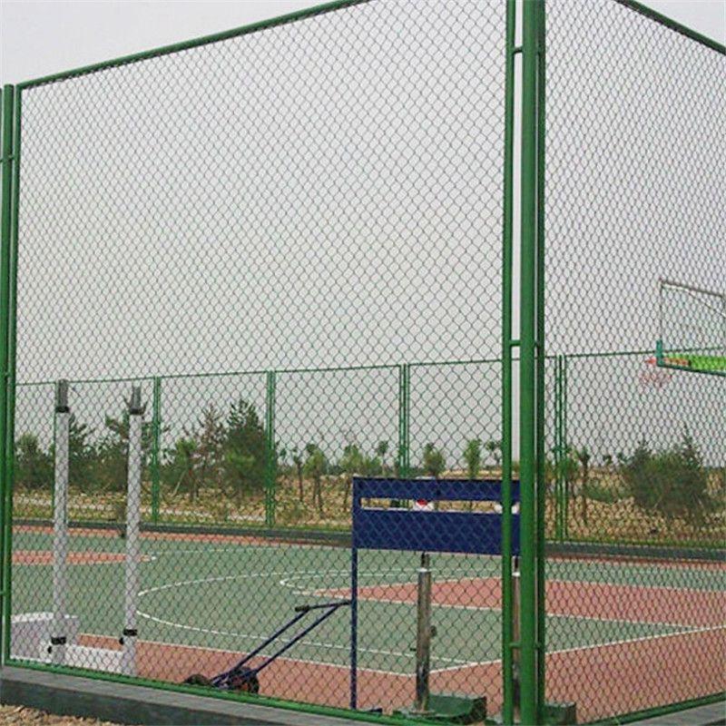 包塑体育场围网 操场护栏网 篮球场围栏多高
