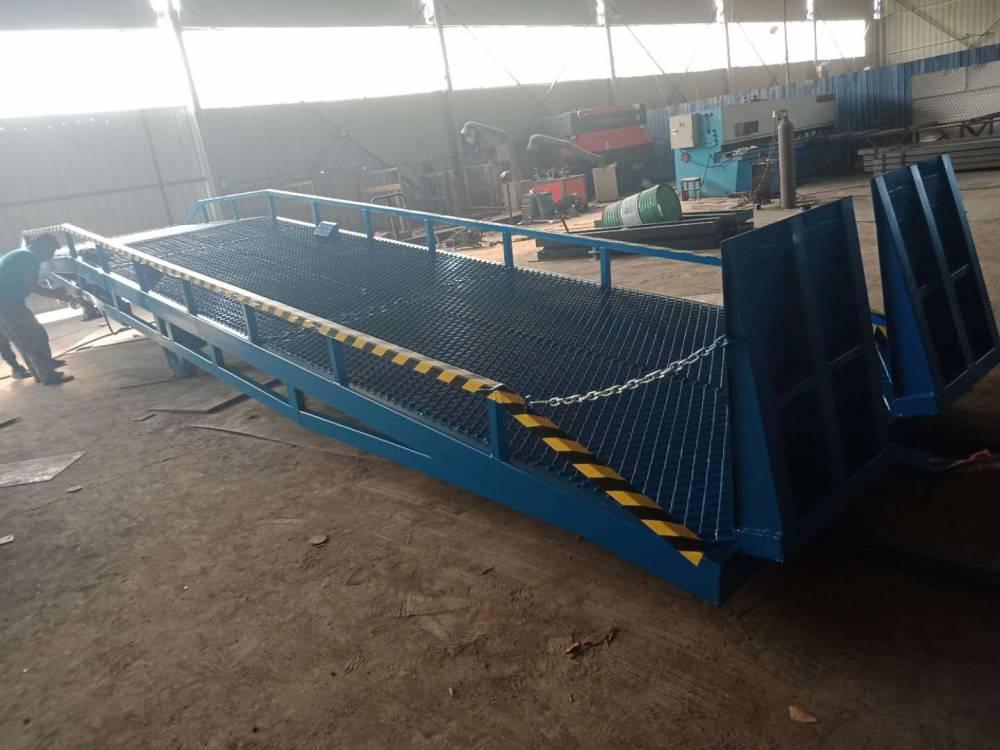 航天现货供应10吨钢格网移动式液压登车桥 集装箱装卸升降平台