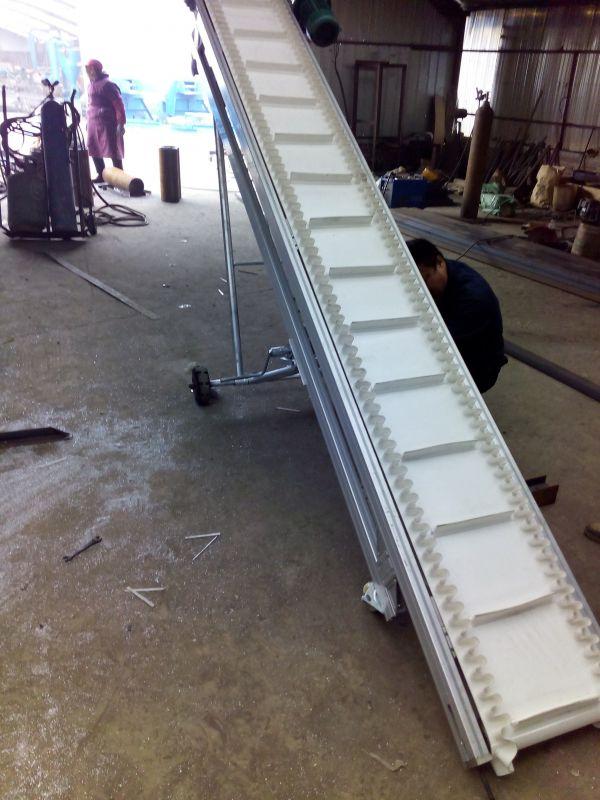 十堰大倾角挡边输送机 防油耐腐建材专用