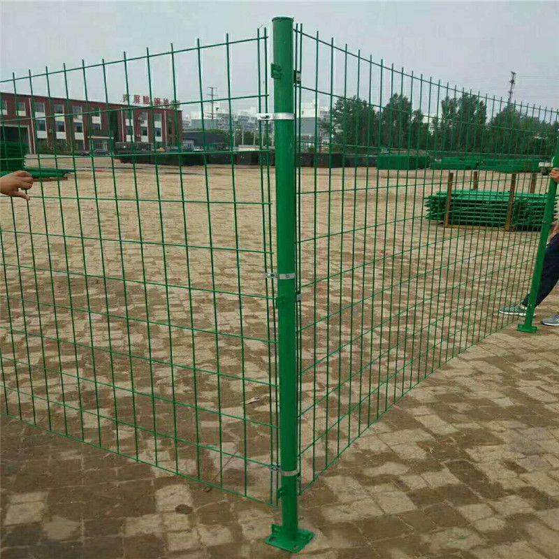 防攀爬围墙铁丝网围栏 外围墙隔离栅 优盾定制围栏网护栏
