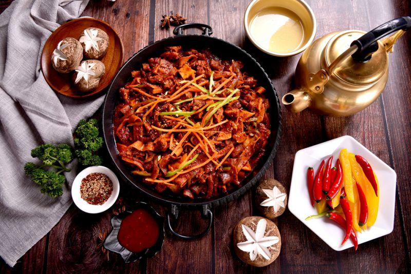 郑州菜谱拍摄咸肉摄影菜单制作大蒜设计外卖图片炒菜品盖浇饭美食图片