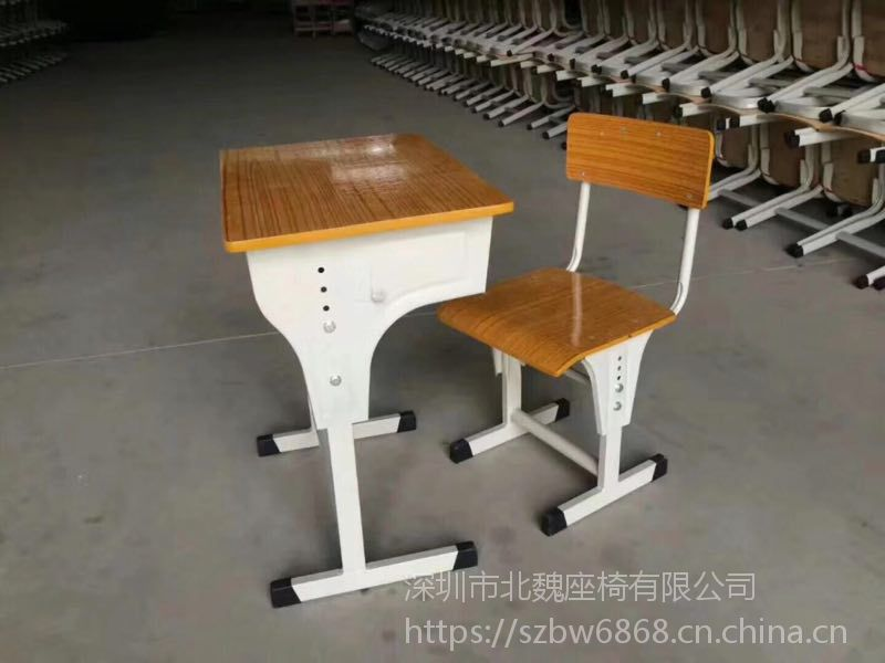 教室学生用课桌椅厂家-学生塑料课桌椅-学生专用课桌椅