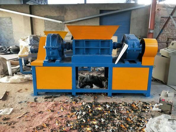 齐齐哈尔回收旧家具破碎机 多用橡胶双轴撕碎机品牌