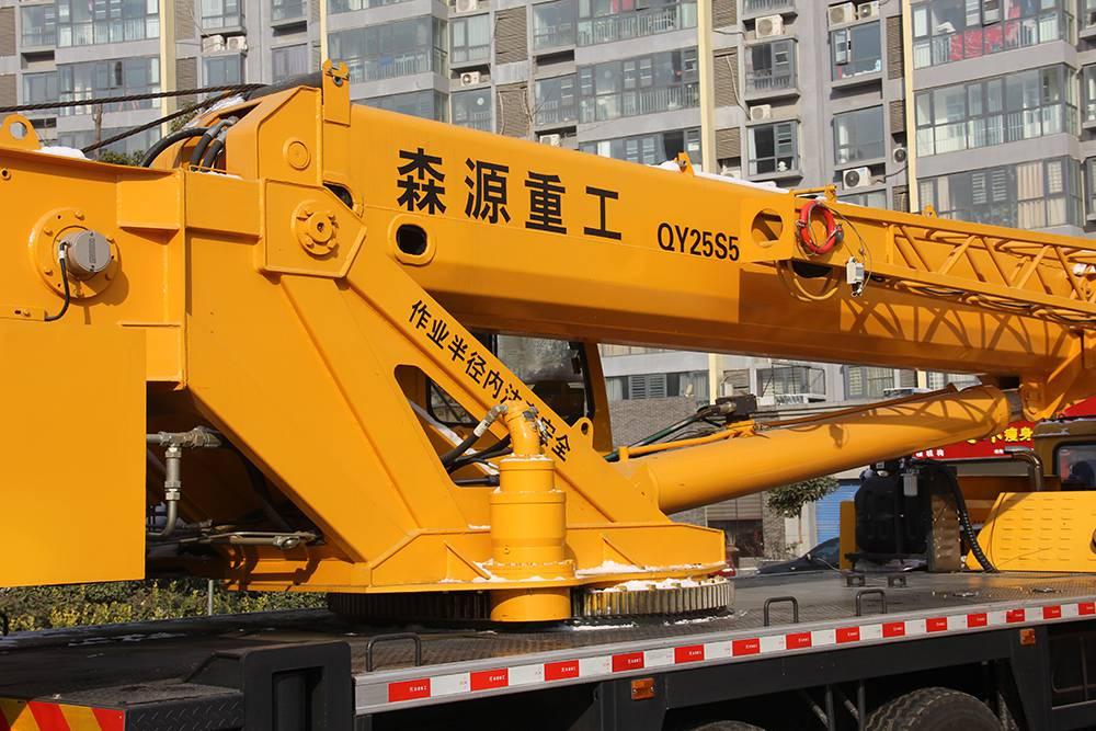 25吨吊车厂家,25吨汽车起重机图片