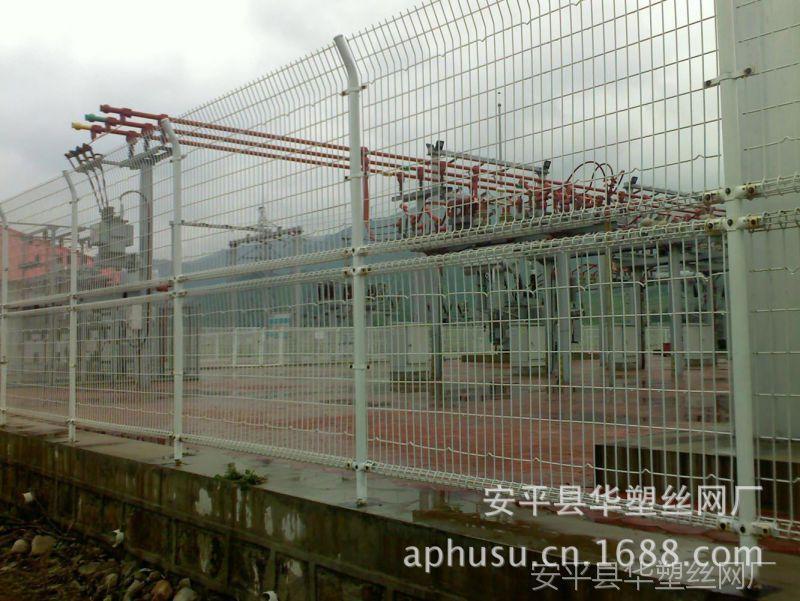 供应:单圈护栏网 景观围栏 上下双层双圈护栏网