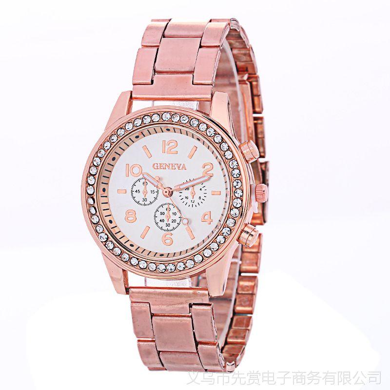 爆款日内瓦三眼镶钻合金手表女款 欧美钢带休闲饰品手表批发