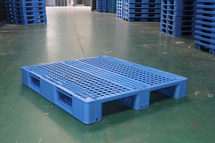 供应海南塑料卡板,供应海南塑料卡板,塑胶垫板