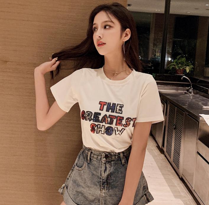 江苏常州女装批发尾货纯棉小衫库存杂款T恤夏季热卖女士短袖几元女式上衣特价清货