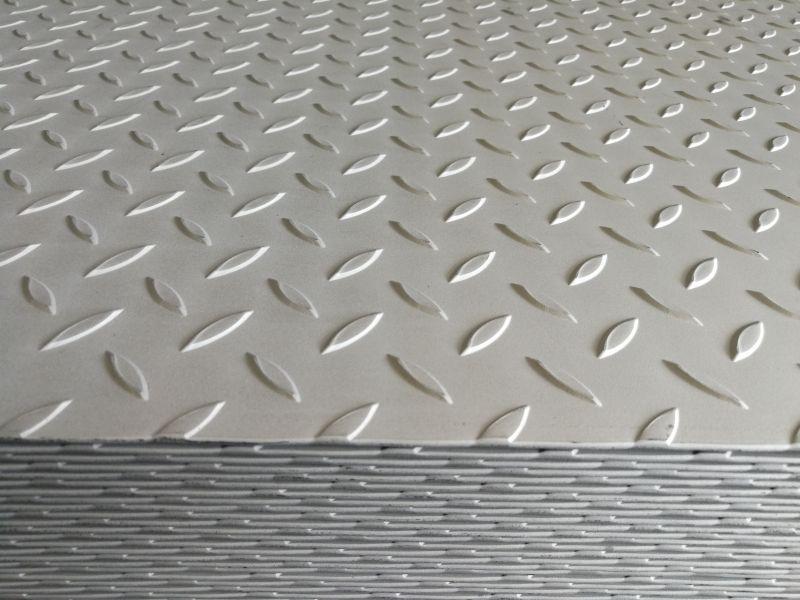 无锡锦祥3.0太钢原装花纹板比利时花型正在开平中