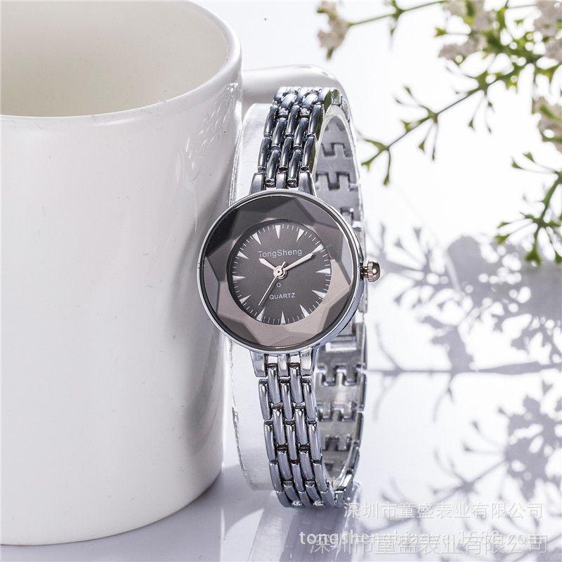 厂家直销时尚时装女式手链表 韩式学生棱形镜面创意石英手表