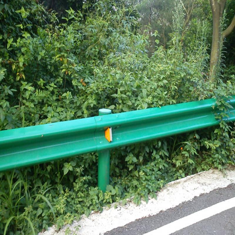 青海波形护栏安装多少钱一米