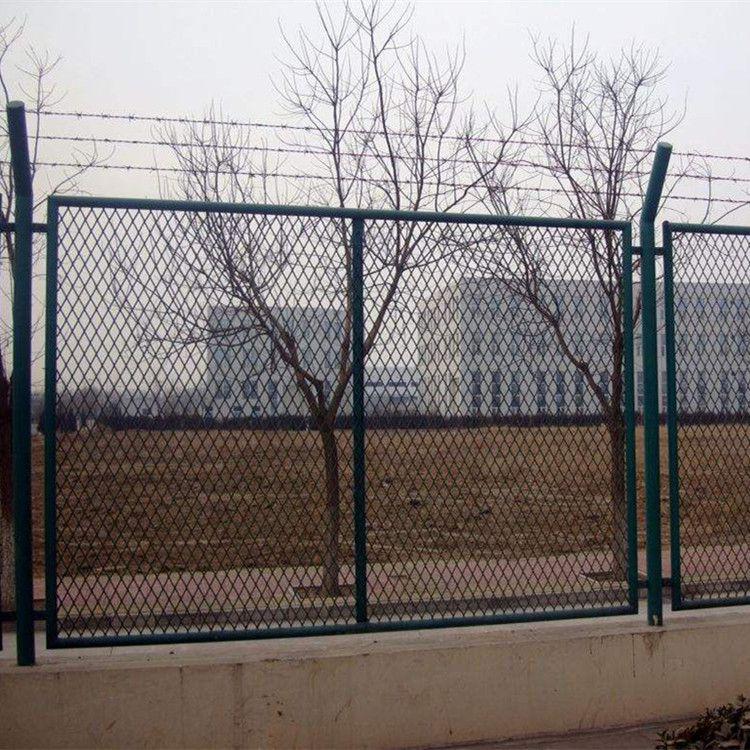 河北厂家发布护栏网生产流程