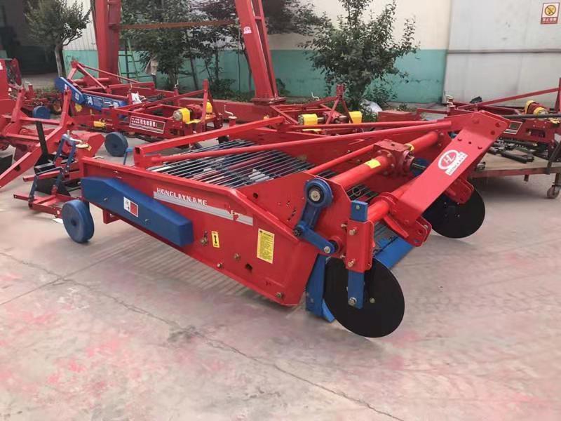 土豆收获机多功能 红薯拖拉机收割机挖土豆 全自动农用机械