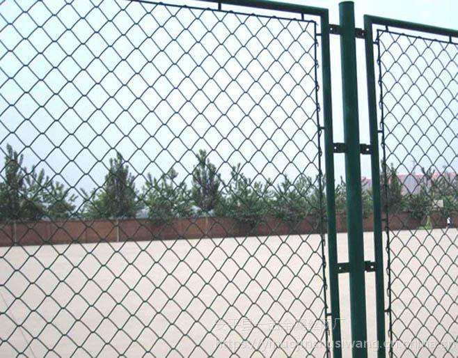 宣州绿色勾花网围栏网——60*60mm孔径体育场专用浸塑安全防护网一诺