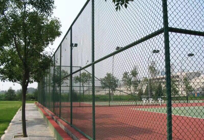 球场围栏体育场护栏安装视频祥筑直营