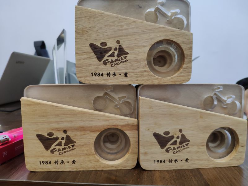 木头摆件激光雕刻礼品定制 激光刻字