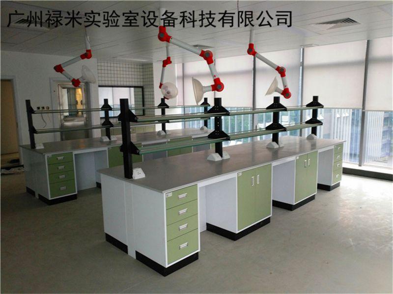 生物科技行业全钢实验台安装现场