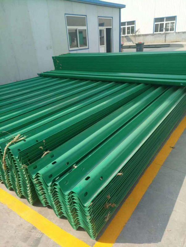 喷塑护栏板6029绿色厂家发货