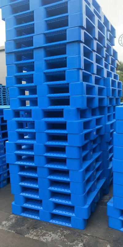 上货架的川字底带钢管的全新料塑料托盘出货