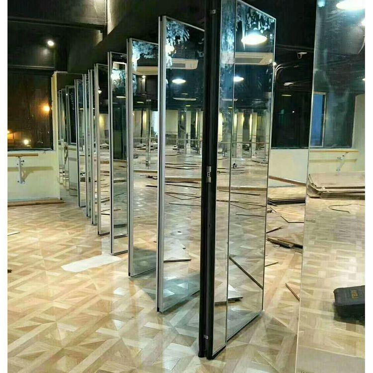 舞蹈瑜伽室能折叠推拉的活动镜面隔断屏风案例视频