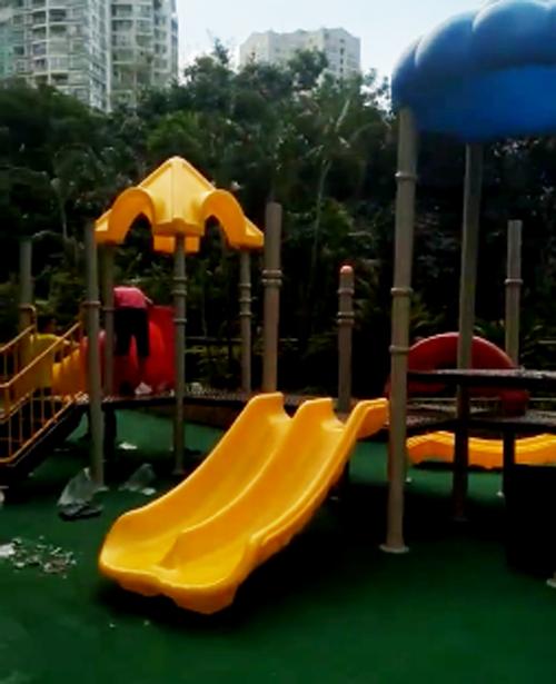 南山区创世纪滨海花园小区玩具安装中 第三套