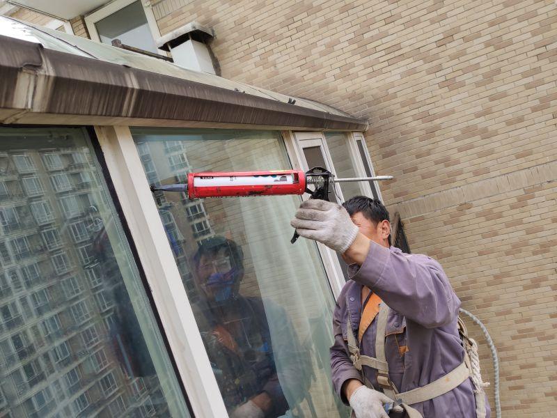 吊绳玻璃打胶、幕墙打胶、外墙打胶、窗户打胶、蜘蛛人高空打胶