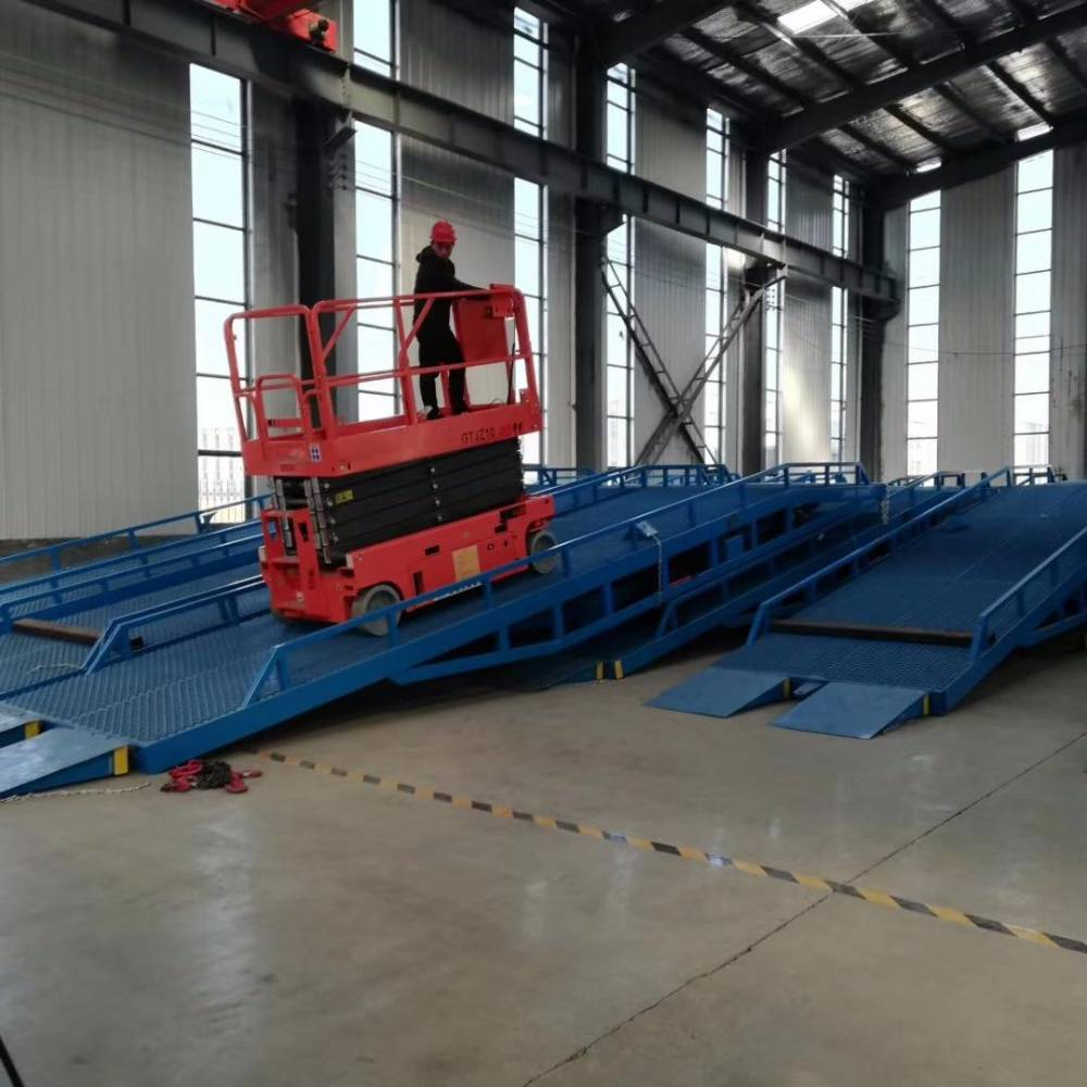 航天现货直销全自行走移动式升降平台 液压轮剪叉式升降车 