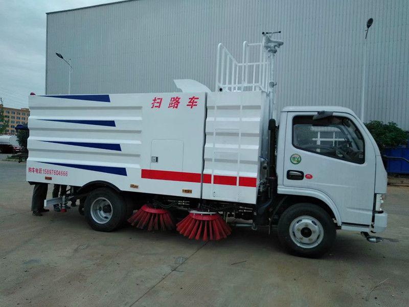 国五市政道路扫路车厂家直销 ,厂房用扫地车,东风5吨煤矿扫路车在哪买